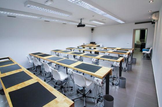 cursos-para-dentistas-postgrados-barcelona